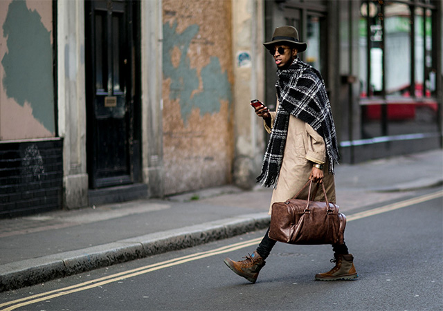 London Fashion Week A / I 2015: street style.  Day Three (8 foto)