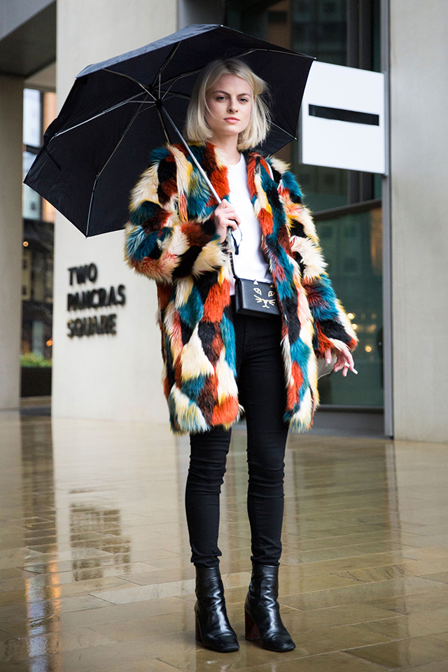 Неделя моды в Лондоне, осень-зима 2016: street style. Часть 1 (фото 16)