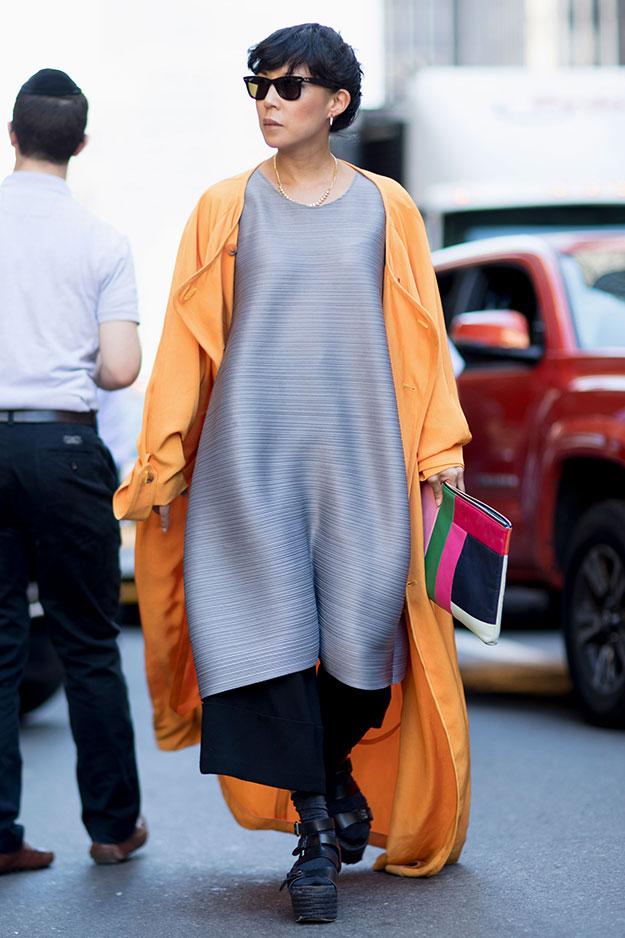 Что носят на Неделе моды в Нью-Йорке: 7 часть (фото 13)