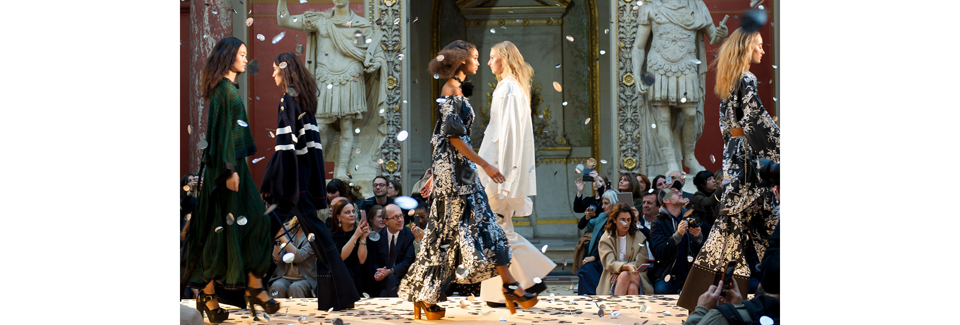 Can you get tickets to paris fashion week