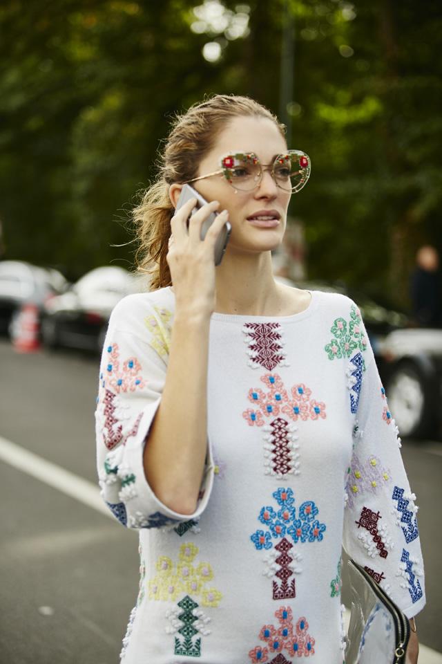 Неделя моды в Париже, весна-лето 2016: street style. Часть 5 (фото 17)