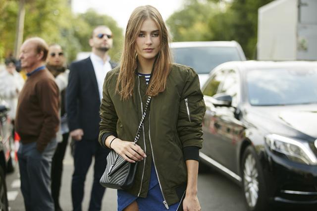 Неделя моды в Париже, весна-лето 2016: street style. Часть 5 (фото 12)