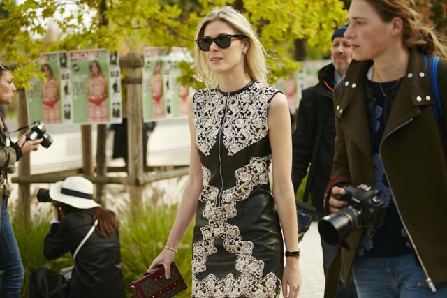 Неделя моды в Париже, весна-лето 2016: street style. Часть 5 (фото 20)