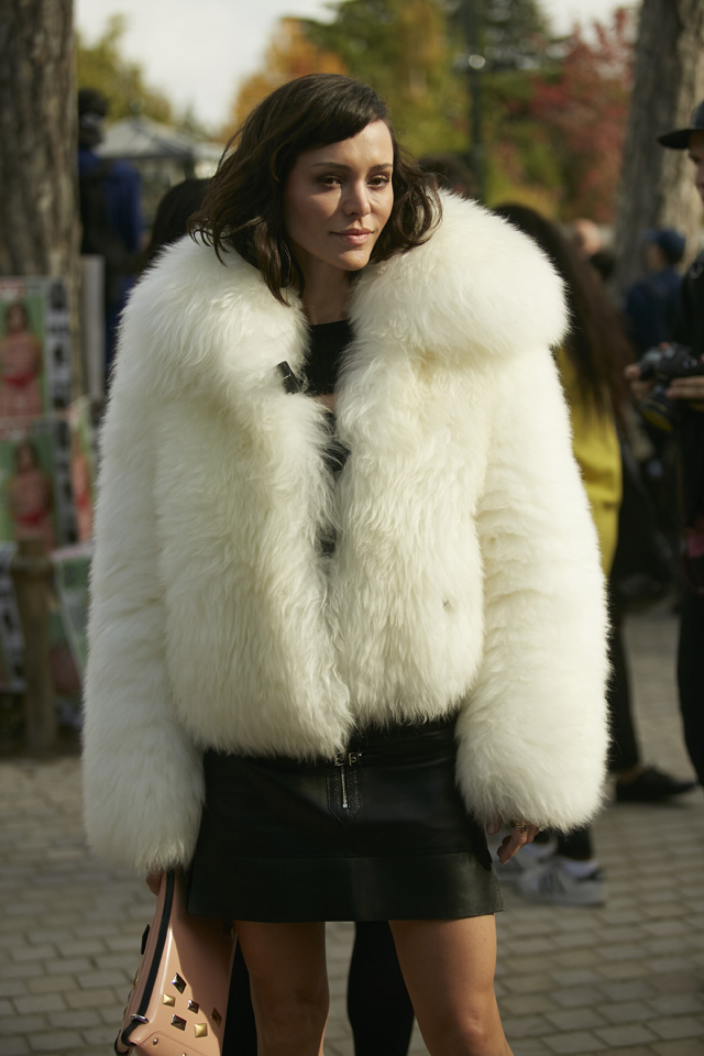 Неделя моды в Париже, весна-лето 2016: street style. Часть 5 (фото 23)