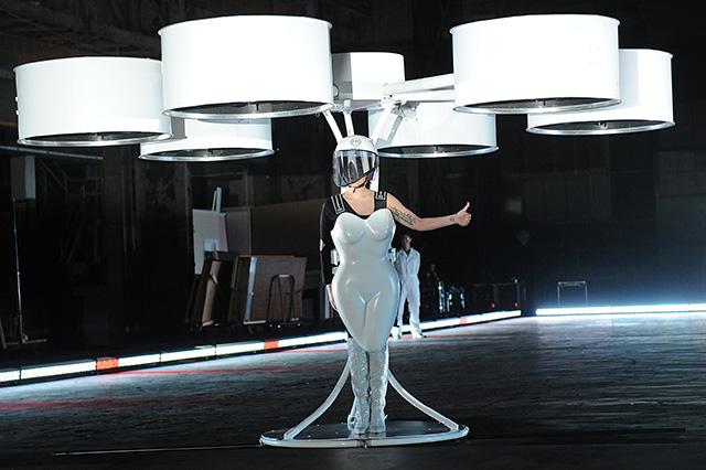 Леди Гага организовала выставку в Нью-Йорке (фото 4)