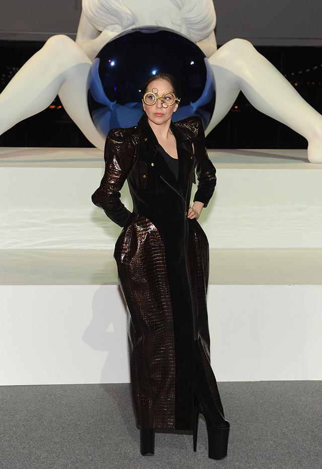 Леди Гага организовала выставку в Нью-Йорке (фото 8)