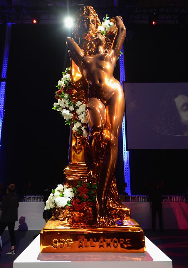 Леди Гага организовала выставку в Нью-Йорке (фото 9)