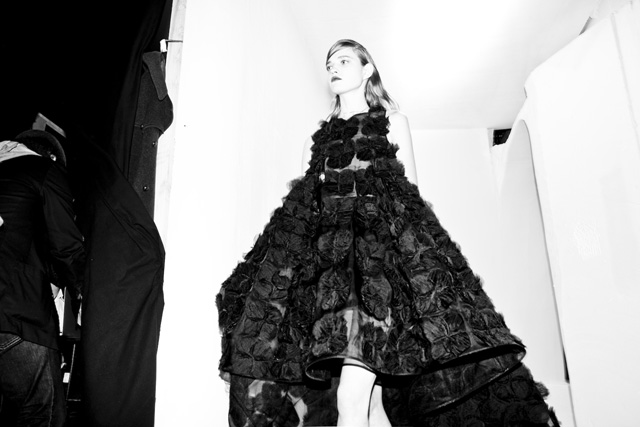 Эксклюзив Buro24/7: backstage Christian Dior, весна 2014 (фото 3)
