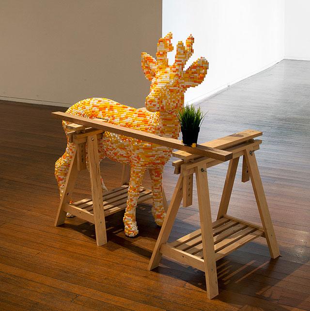 Скульптуры из LEGO и мебели IKEA в серии работ Habitat (фото 1)