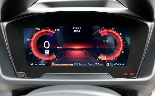 Навстречу будущему: гибридный спорткар BMW i8 (фото 1)
