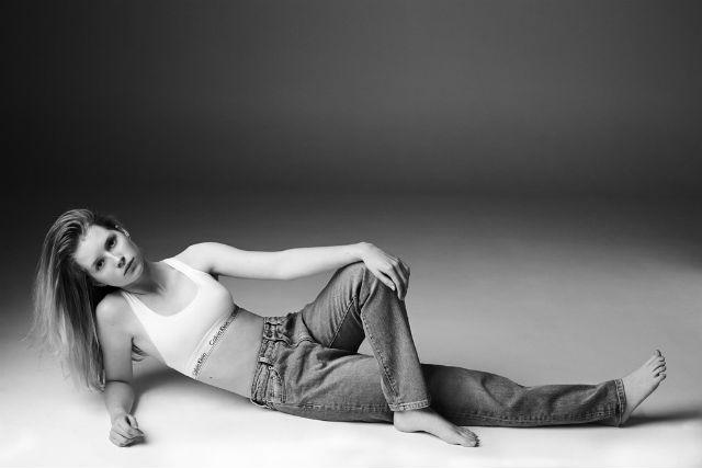 Лотти Мосс для Calvin Klein