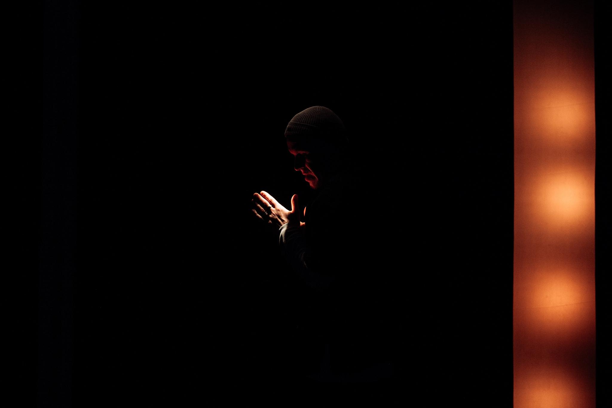 """Всепрощение как способ жить дальше: Black & Simpson в театре """"Практика"""" (фото 4)"""