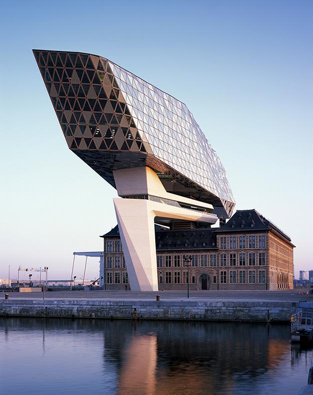 Архитектурное бюро Захи Хадид завершило строительство нового объекта в Антверпене (фото 1)