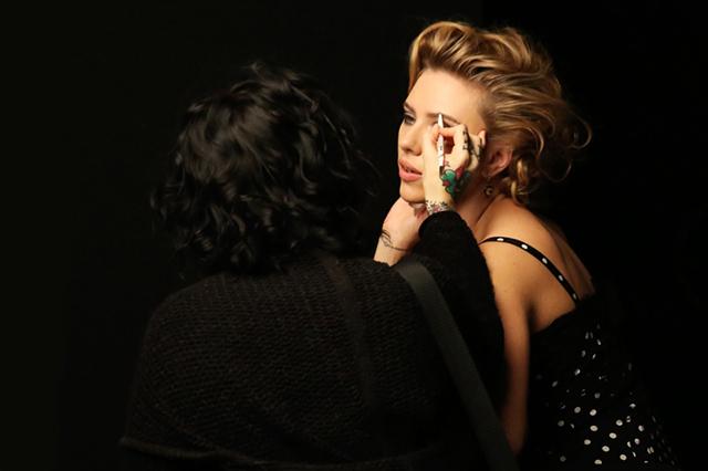 Скарлетт Йоханссон в рекламной кампании теней Dolce & Gabbana (фото 2)