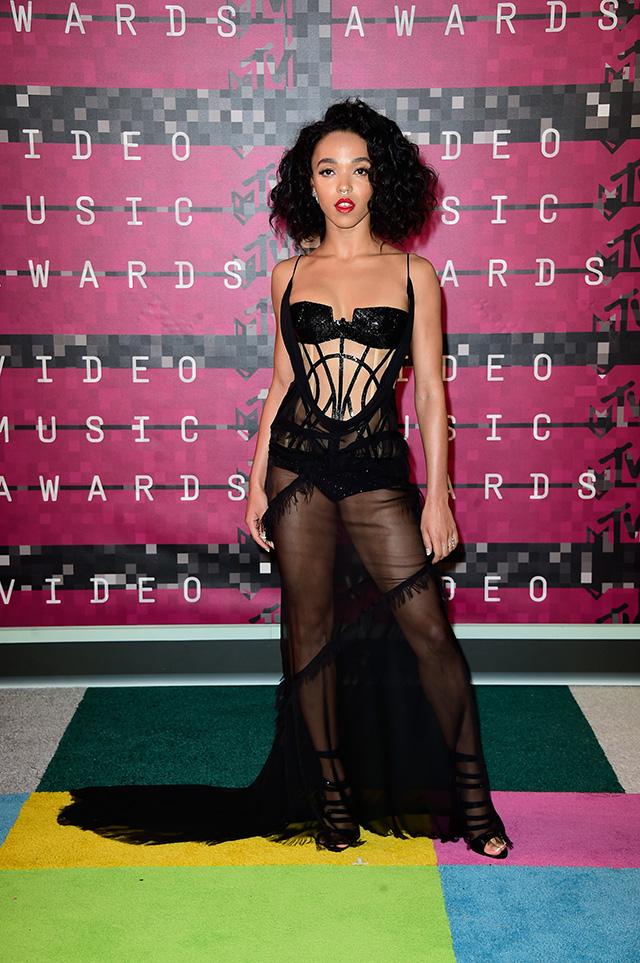 MTV Video Music Awards — 2015: победители и гости красной дорожки (фото 16)