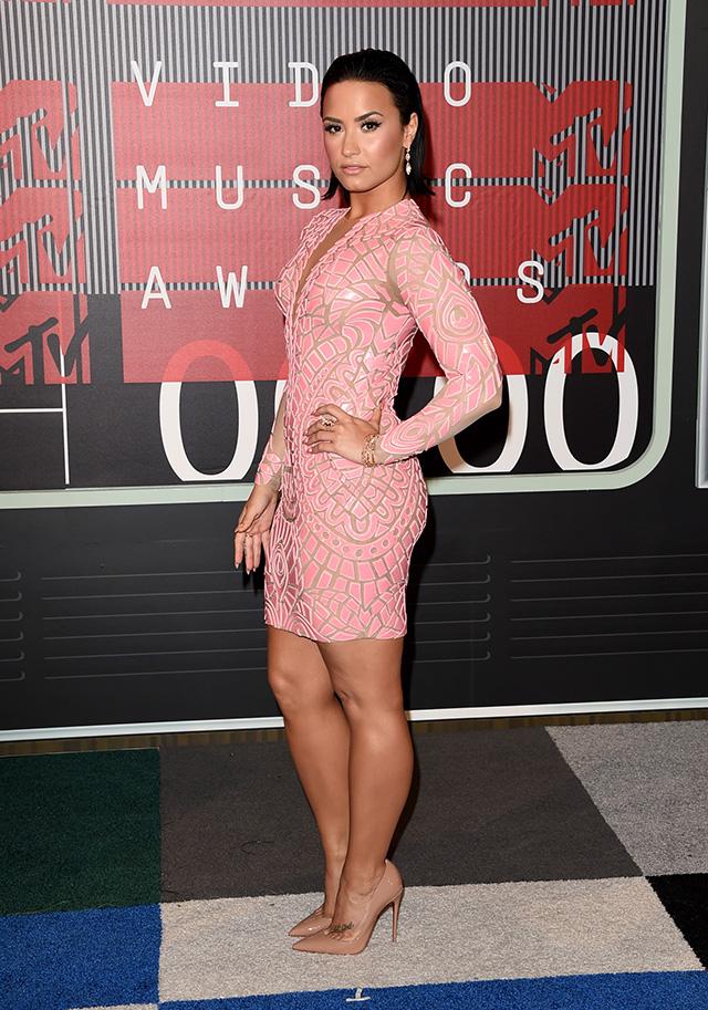 MTV Video Music Awards — 2015: победители и гости красной дорожки (фото 18)