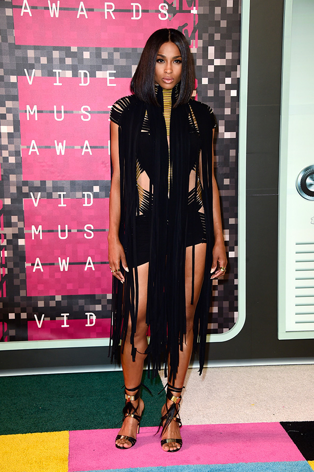 MTV Video Music Awards — 2015: победители и гости красной дорожки (фото 12)