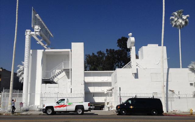 Отель в Лос-Анджелесе стал городской инсталляцией (фото 1)