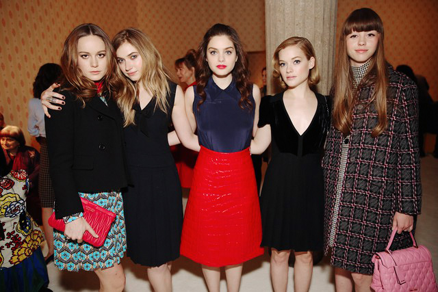 Brie Larson, Imogen Poots, Oday Rush, Jane Levy e Mia Goth
