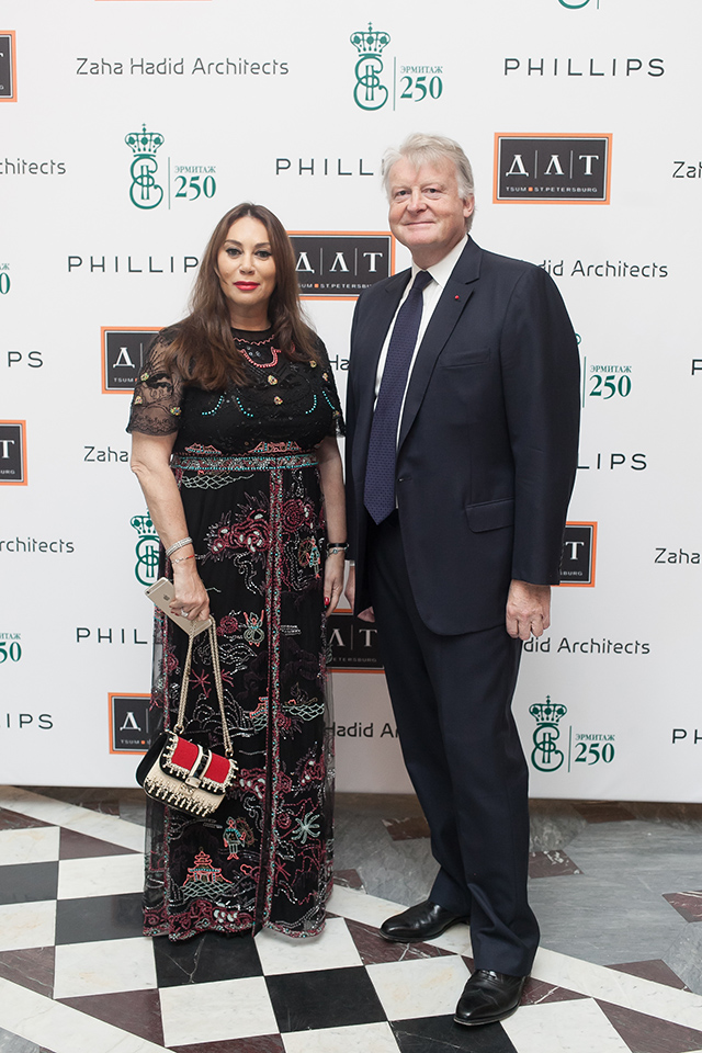 Торжественный прием в честь открытия выставки Захи Хадид (фото 4)