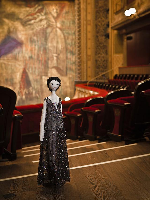 Дизайнеры создали 44 куклы для благотворительного аукциона UNICEF (фото 4)