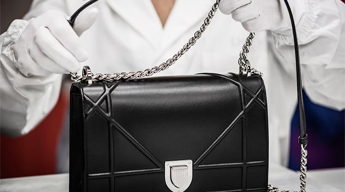 у вас на глазах как создаются сумки Dior Diorama Buro 247