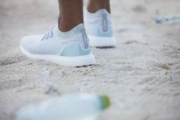 f949fd09 Аdidas анонсировали продажу кроссовок из океанического мусора | Buro ...