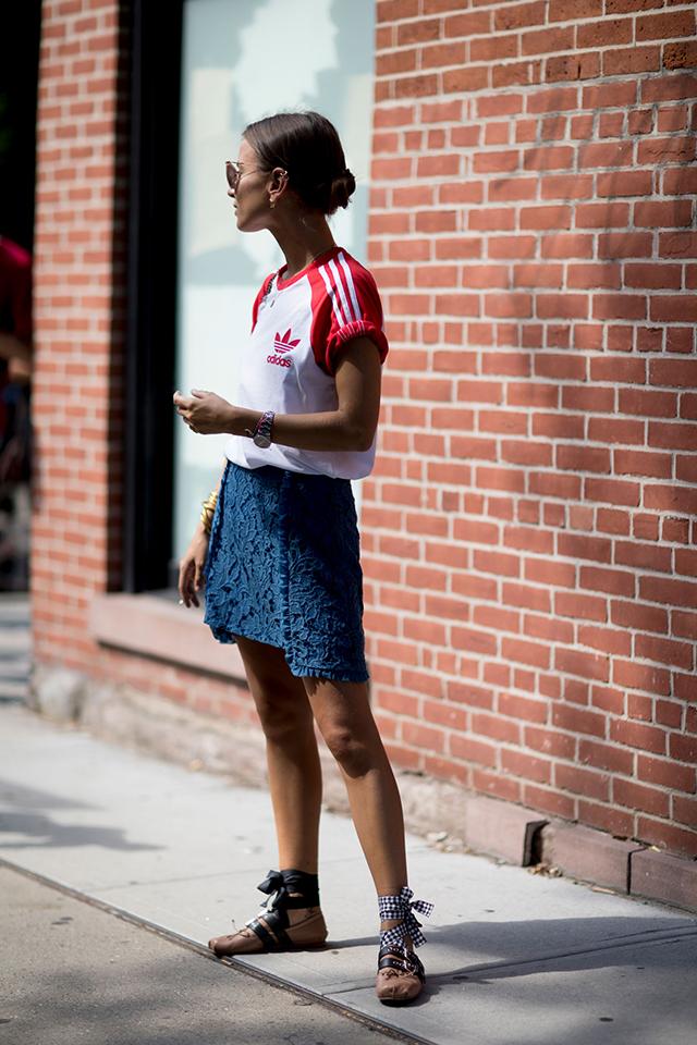 Что носят на Неделе моды в Нью-Йорке: 2 часть (фото 27)
