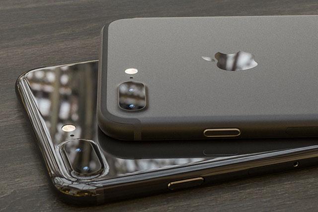Новый iPhone может выйти в черном цвете и с глянцевым корпусом (фото 1)