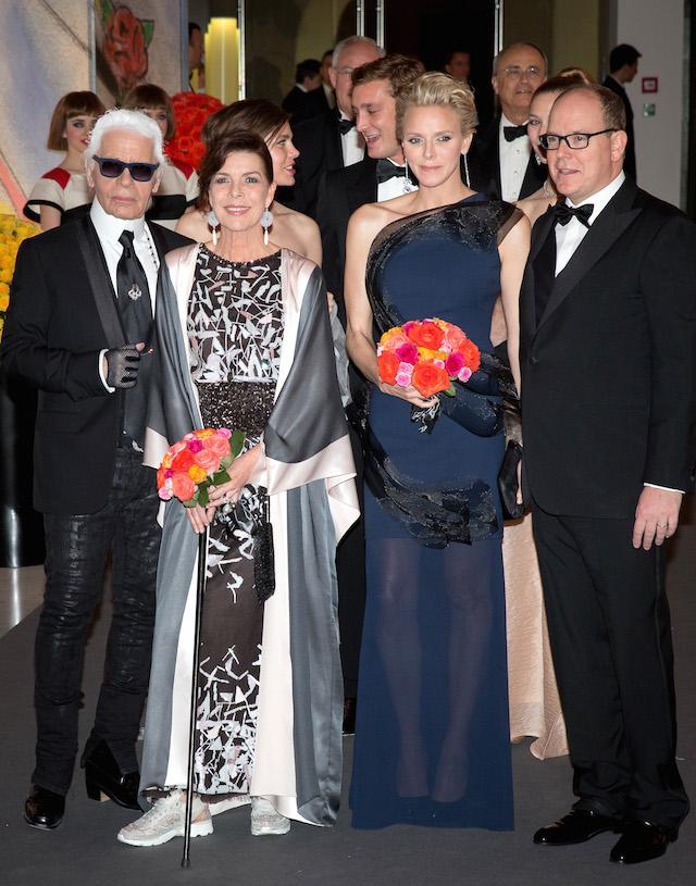 Карл Лагерфельд, принцесса Каролина, принцесса Шарлин и принц Альбер