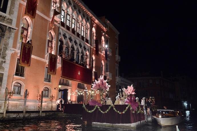 Бал-маскарад Dolce & Gabbana в Венеции (фото 1)