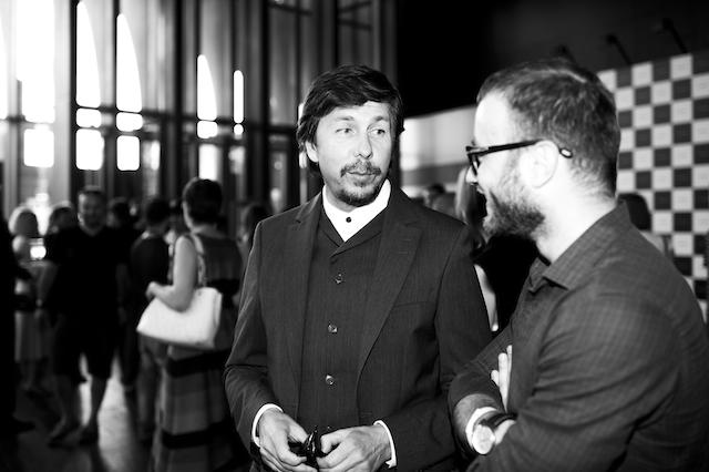 Перфоманс Future in Beauty с Джоном Гальяно в Москве (фото 11)