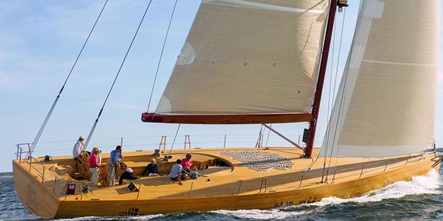 Яхта от архитектора Фрэнка Гери (фото 1)