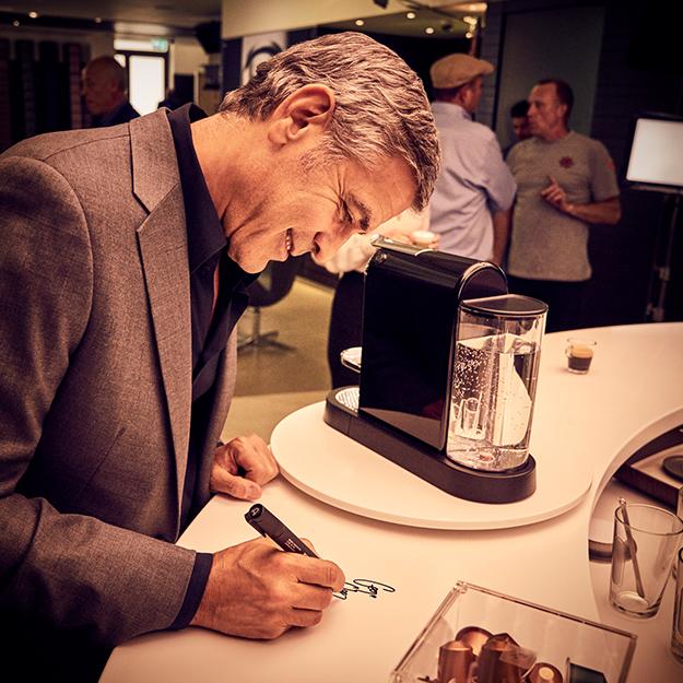 Приключения Джорджа Клуни в новом ролике Nespresso (фото 1)