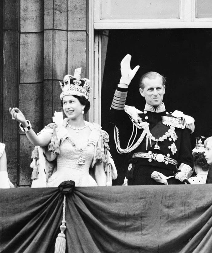 Выставка к юбилею коронации Елизаветы II (фото 7)