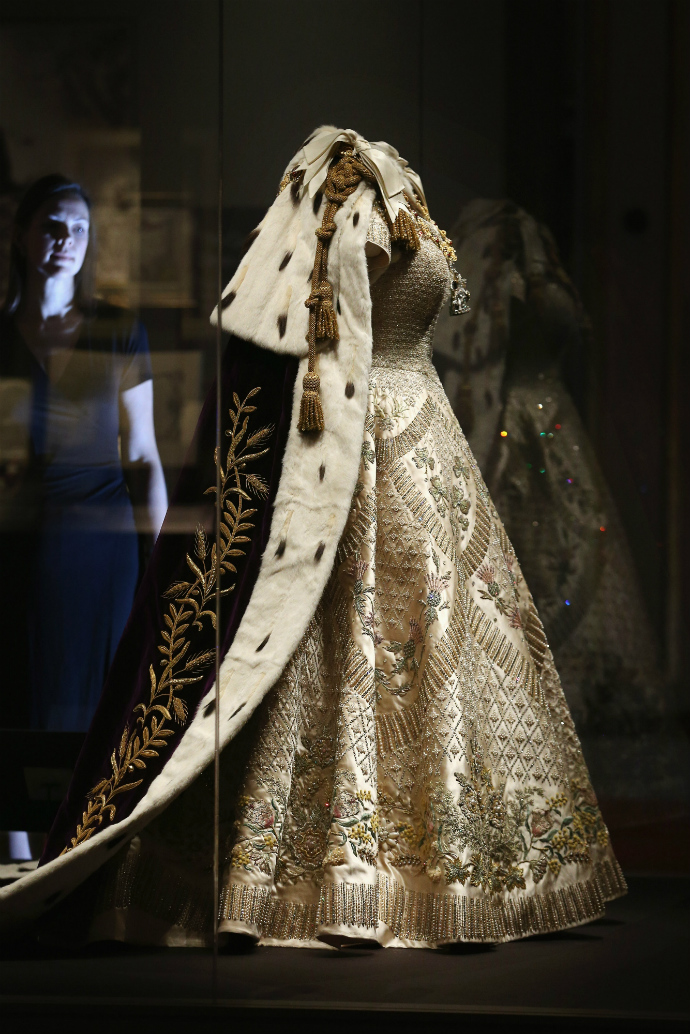 Выставка к юбилею коронации Елизаветы II (фото 2)