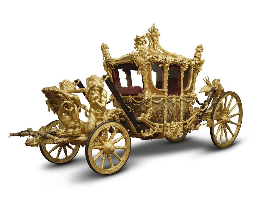 Выставка к юбилею коронации Елизаветы II (фото 4)