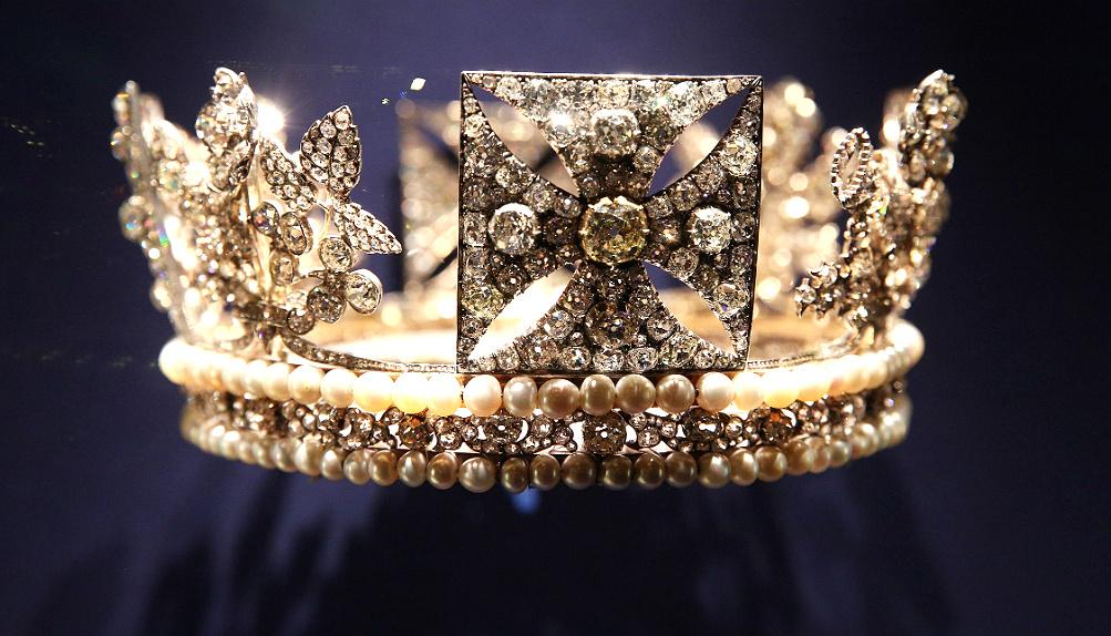 Выставка к юбилею коронации Елизаветы II (фото 8)