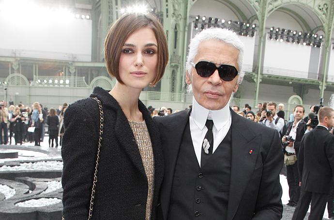 Кира Найтли и Карл Лагерфельд на показе Chanel весна-лето 2011