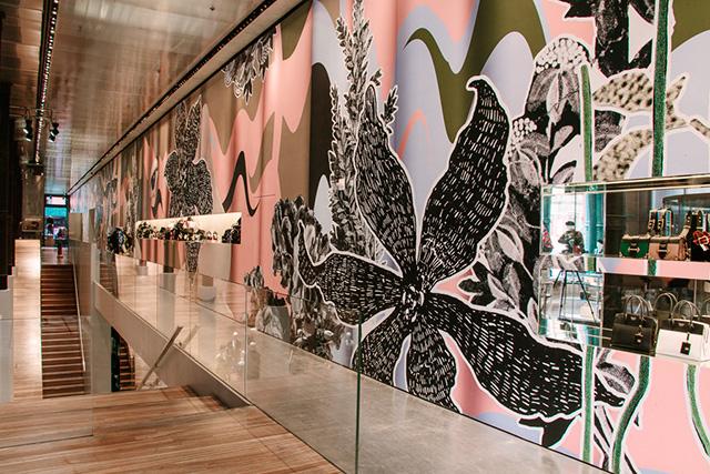 Сюрприз от Prada: часть осенней коллекции появилась в продаже (фото 2)