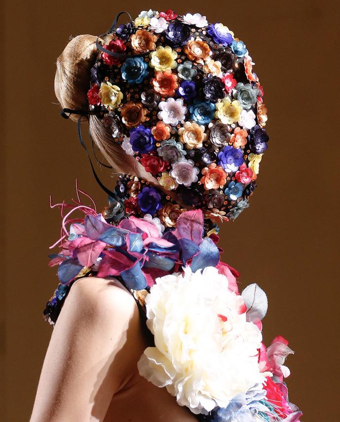 Красота в деталях: маски на показе Maison Martin Margiela Couture (фото 5)