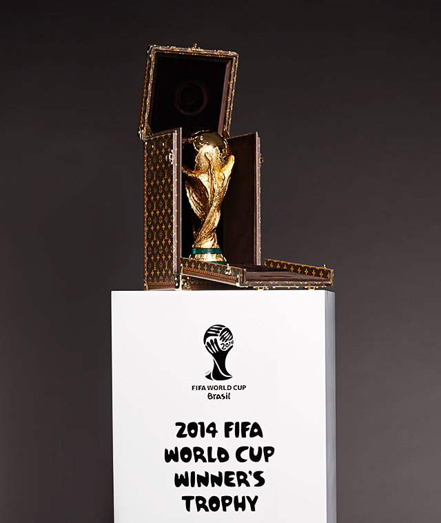 Louis Vuitton создали чемодан для футбольного Кубка мира (фото 1)