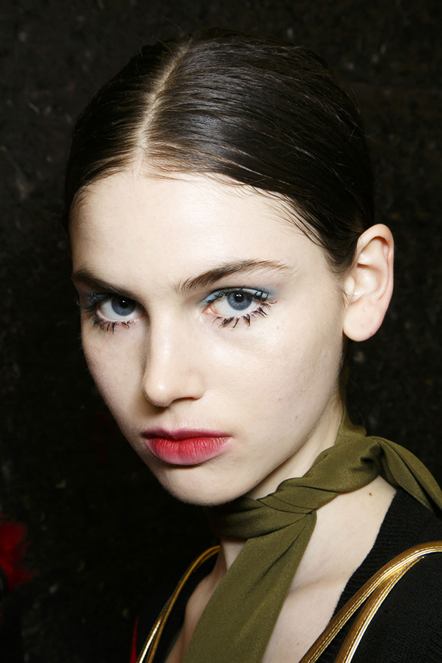 Trend: in the style of Twiggy eyelashes (photo 1)
