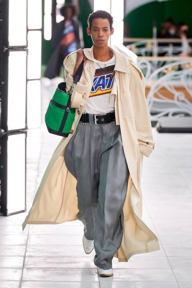 Тактильность, доброта и поддержка — вот главные тенденции Недель моды сезона весна-лето 2021 (фото 30)