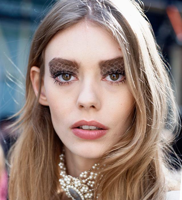 Как краситься осенью: 9 трендов в макияже (фото 10)