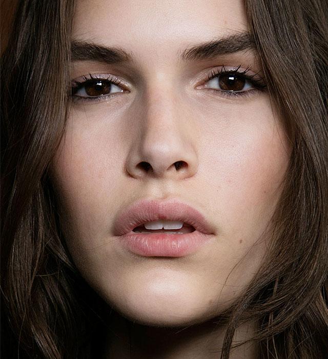 Как краситься осенью: 9 трендов в макияже (фото 6)