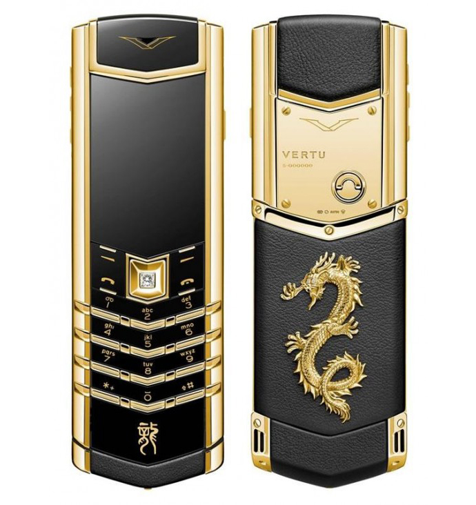 Новогодний Vertu Signature Dragon