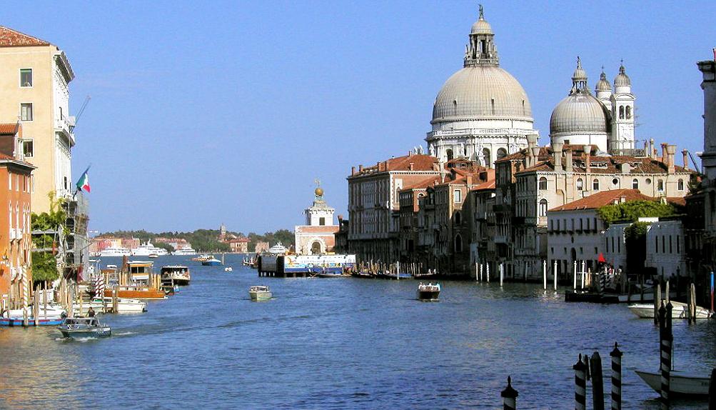 Два художника представят Россию в Венеции (фото 1)