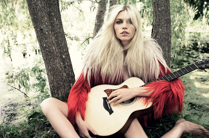 Aline Weber by Tom Munro in Muse Magazine