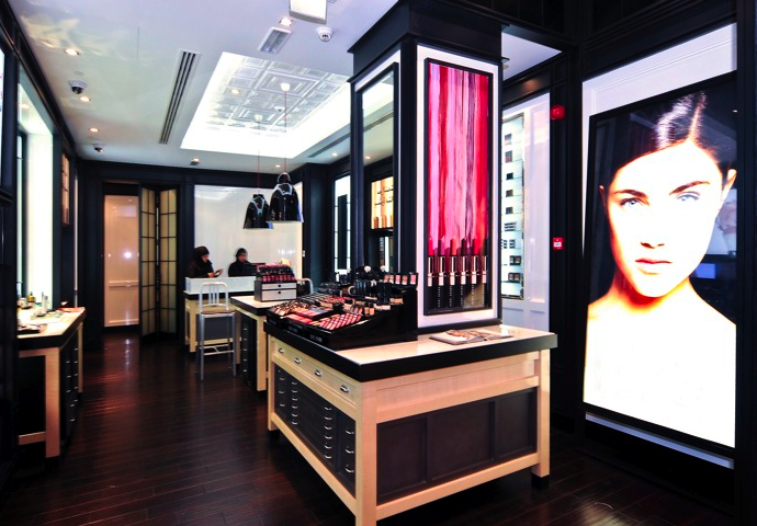 Монобутики Bobbi Brown в Москве (фото 2)
